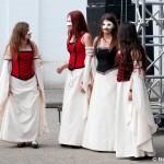 Dans, măşti şi atmosferă medievală