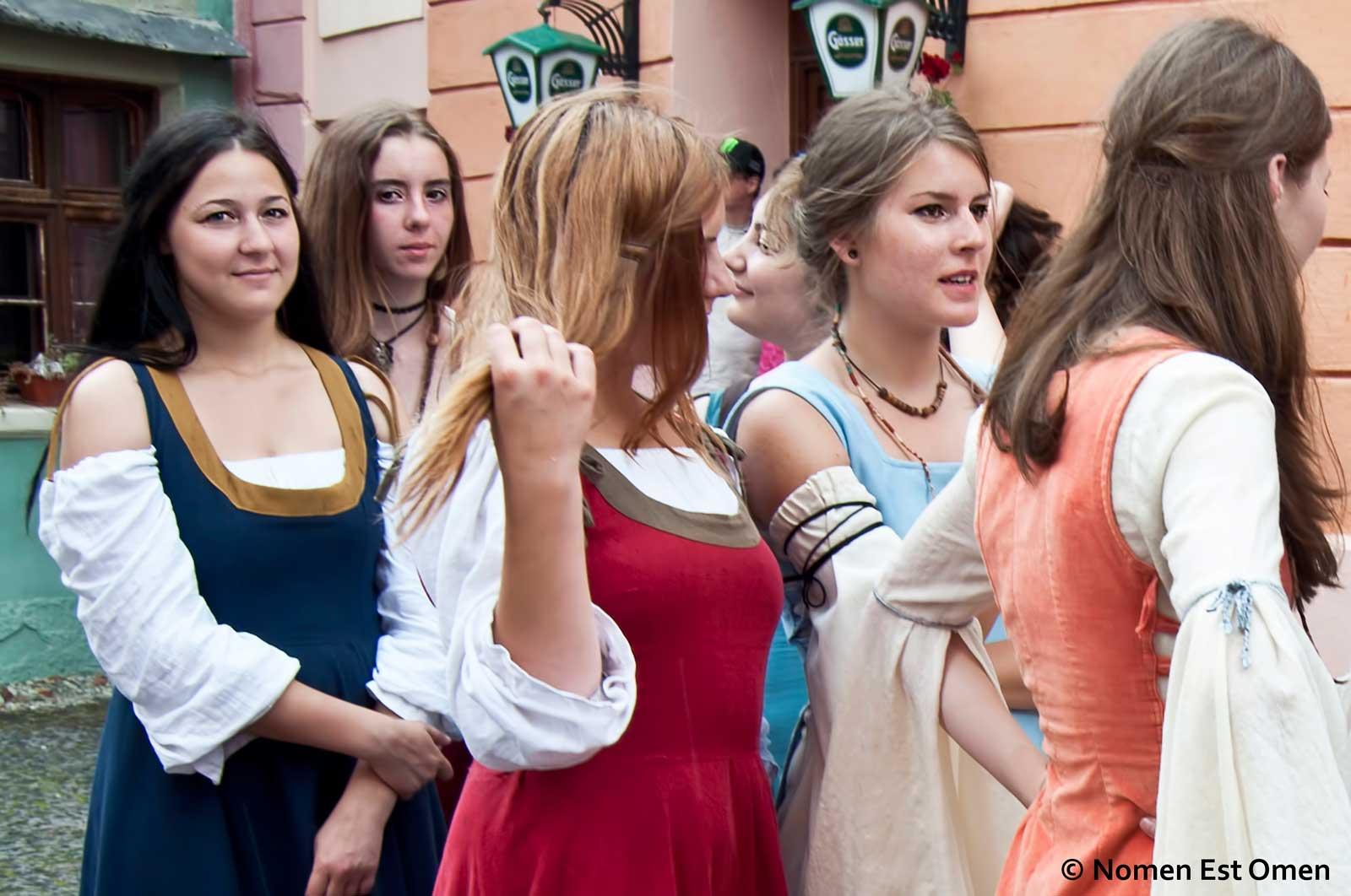 fete in Sighisoara