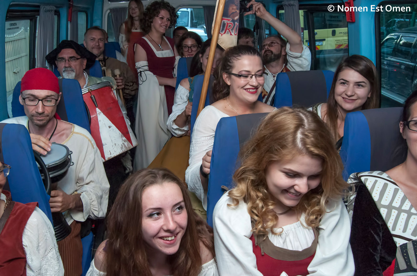 Un autobuz in arta medievala