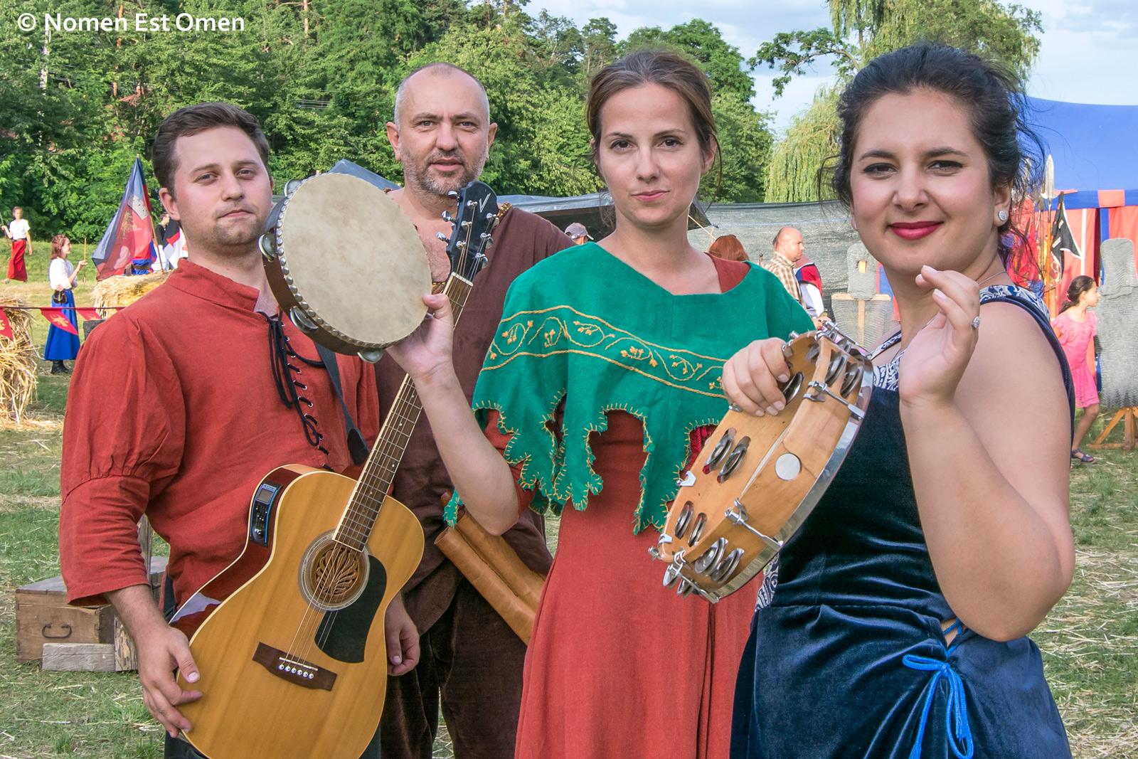 Festival medieval: Valentin, Mihai, Anca, Alexandra